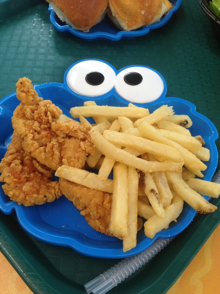 Kids meal - Chicken tender ($9 - plate and tumbler included)