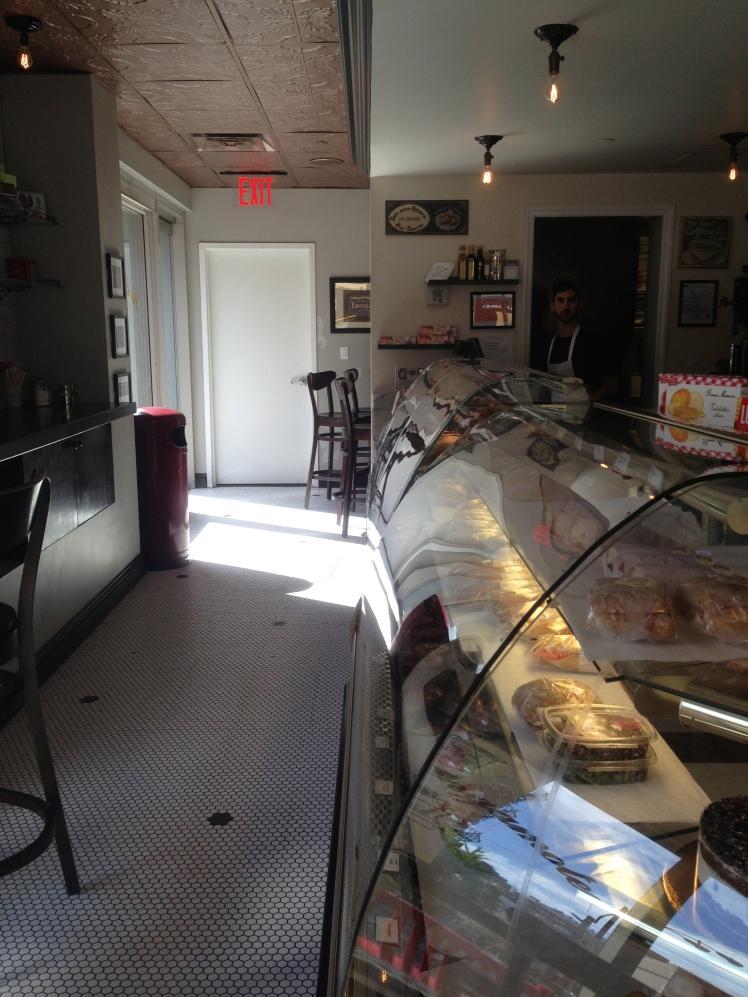 La Bergamote Chelsea; the counter full of goodness