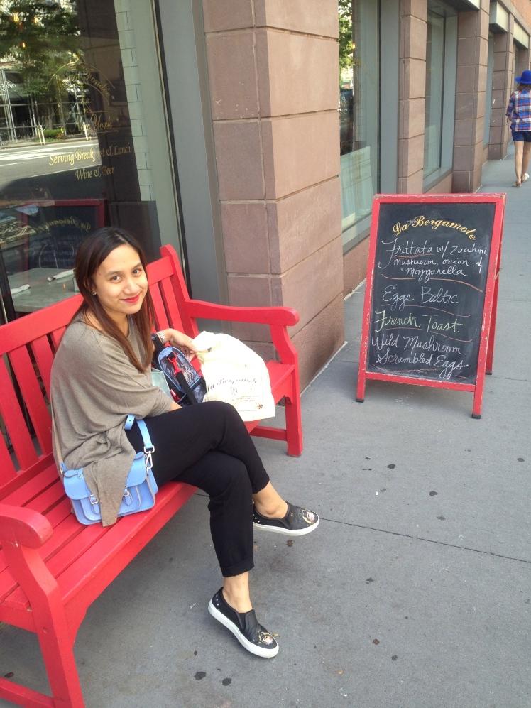 me in front of La Bergamote Chelsea :)